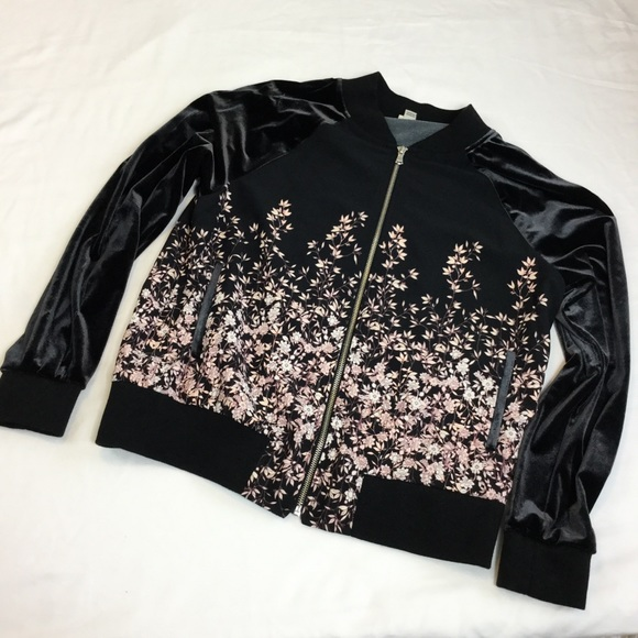 817a75582 A New Day Bomber Jacket Floral Velvet Black Pink M